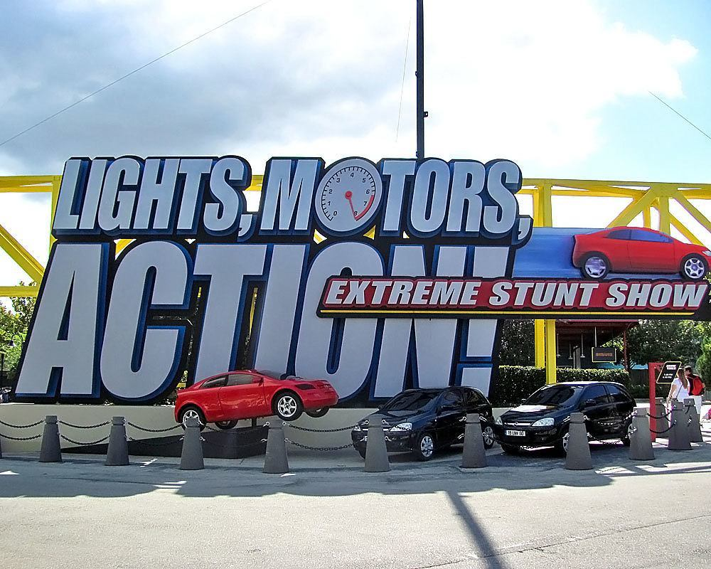 lights motors action