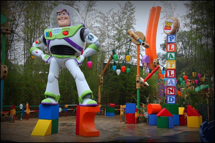 Toon Studio Toy Story Playland